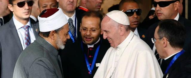Paus keert zich in Egypte met kracht tegen alle vormen van haat en geweld 1