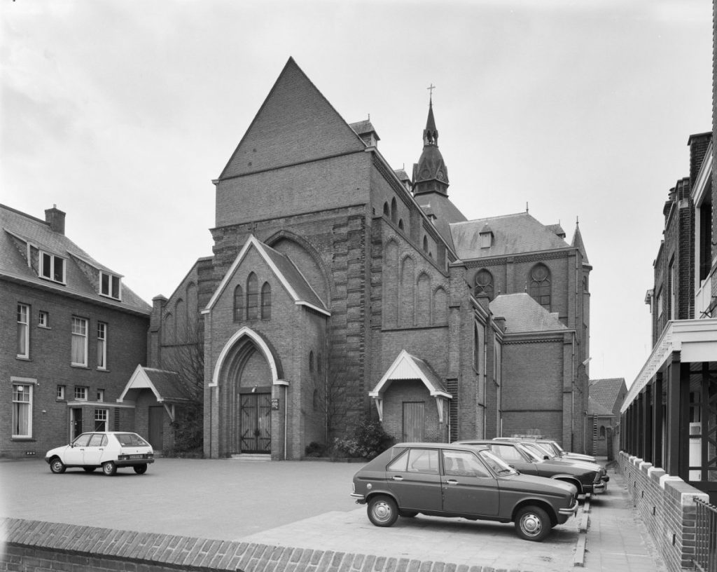 Deze kerk bestaat honderd jaar en dat is reden voor een feestje (en voor hoop) 3