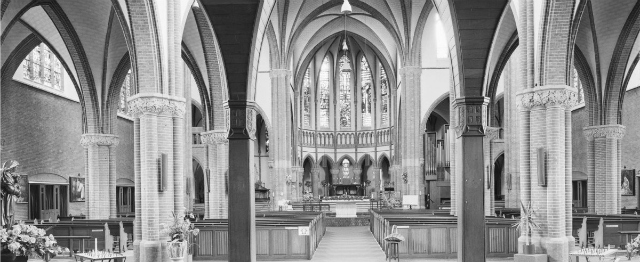 Deze kerk bestaat honderd jaar en dat is reden voor een feestje (en voor hoop) 5