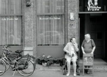 'café zonder bier' van Theo Fonteyn