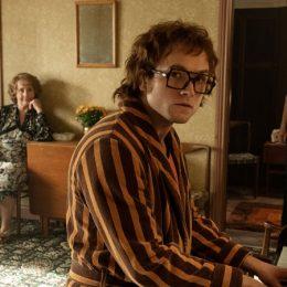 Elton John wil ten diepste bemind worden