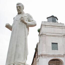 En dan sta je ineens oog in oog met Franciscus Xaverius