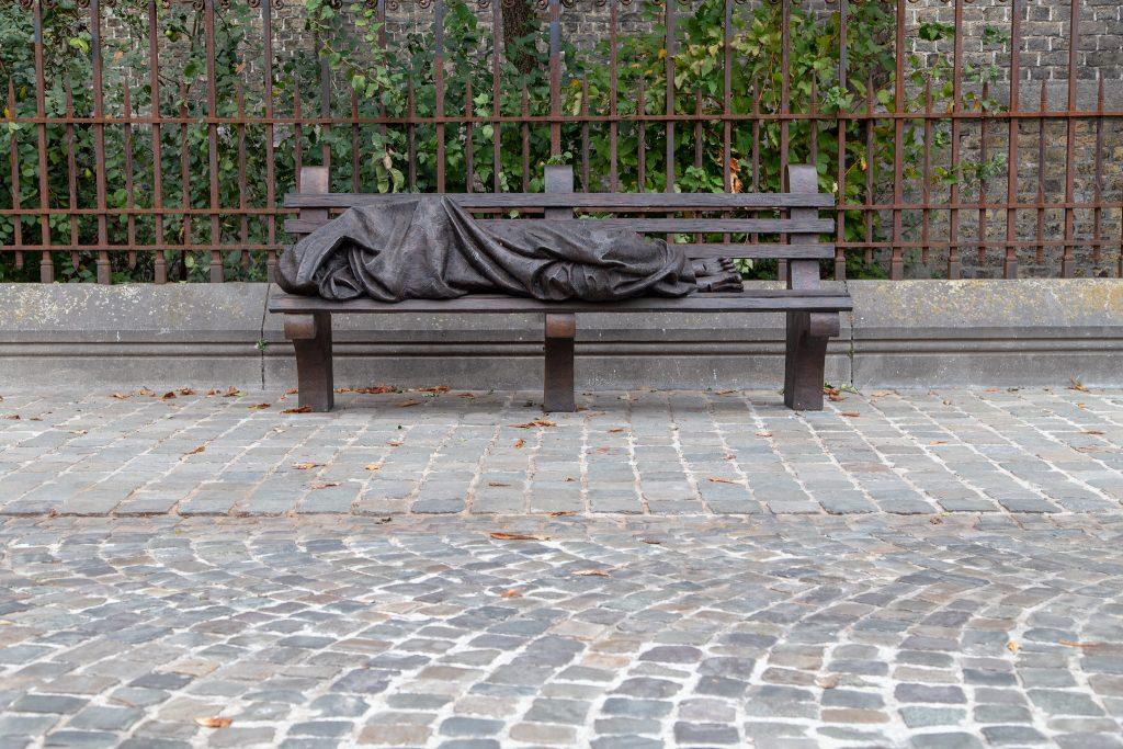 Homeless Jezus van Timothy Schmalz