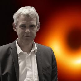 """Heino Falcke: """"Een natuurkundige waarneming vertelt niet dat je geliefd bent""""(podcast)"""
